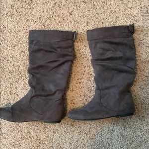 Shoes - Gray Slouchy Boots